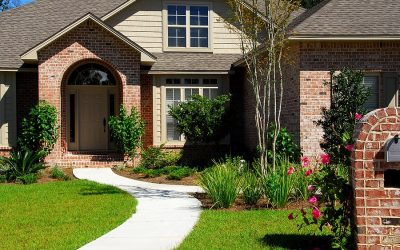 Selling This Spring? 4 Ways to Maximize Your Home's Curb Appeal